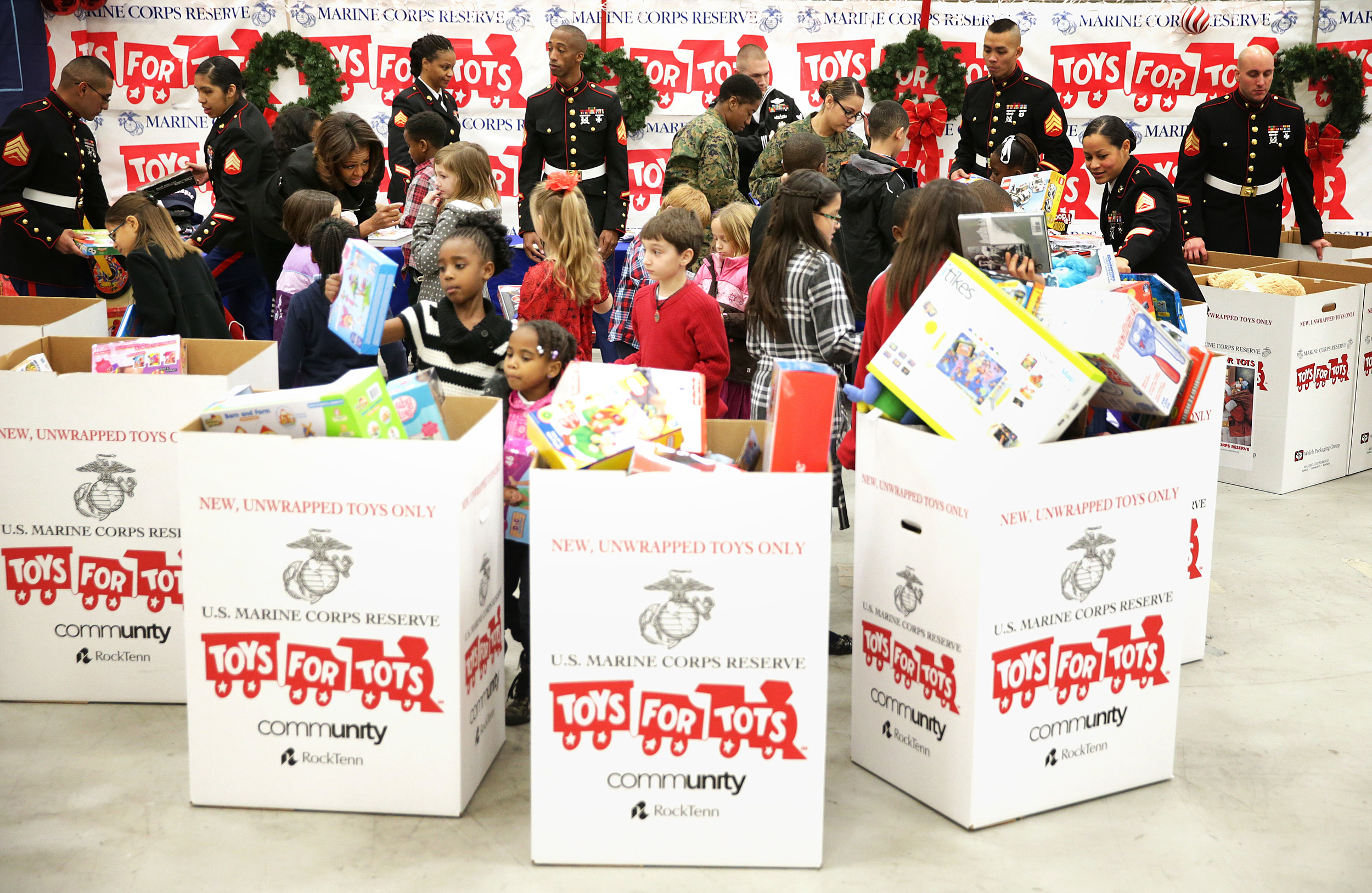 Tag Toys For Tots Donate To : Toys for tots donation wow